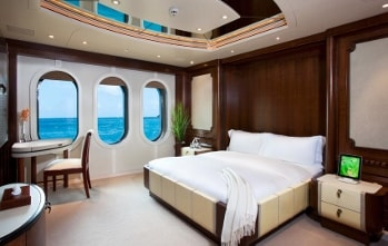 2003 201' Solemar yacht guest stateroom